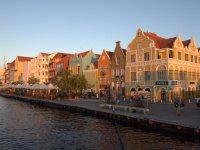 Willemstad et ses jolies façades colorées