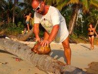 Et Marc, de ramasser les coco