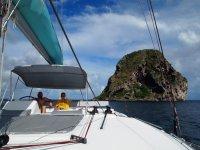 Martinique, Marc et Thomas devant le rocher du Diamant
