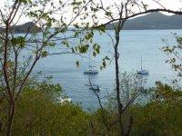 Coco d'îles nous attend sagement dans la baie de l'îlet Cabrit