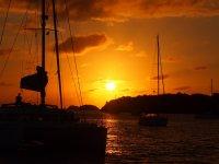 Coucher de soleil derrière la baie
