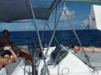 Notre petite navigation vers Barbuda dans des conditions optimales