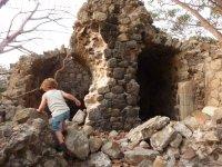 Ruines du Fort Joséphine sur l'îlet Cabrit