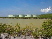 Citernes de la raffinerie de pétrole